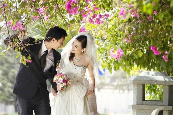 cô dâu xinh đẹp - Nhà hàng Hương Sen