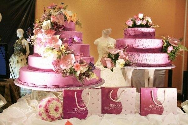 chọn bánh cho đám cưới