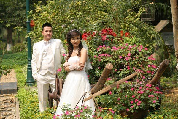 cô dâu làm đám cưới hai lần