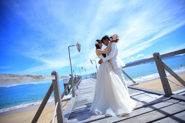 cô dâu làm đám cưới hai lần trong đời