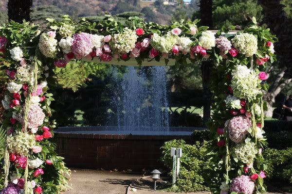 cổng hoa cho ngày cưới
