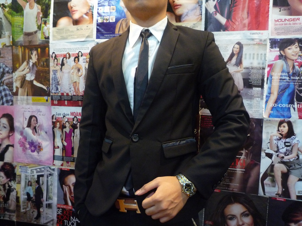 lựa chọn vest cho chú rể theo phong cách hàn