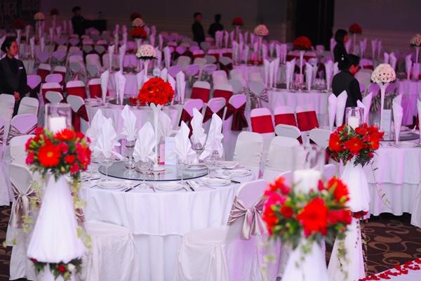 tổ chức một lễ cưới nhiều màu sắc