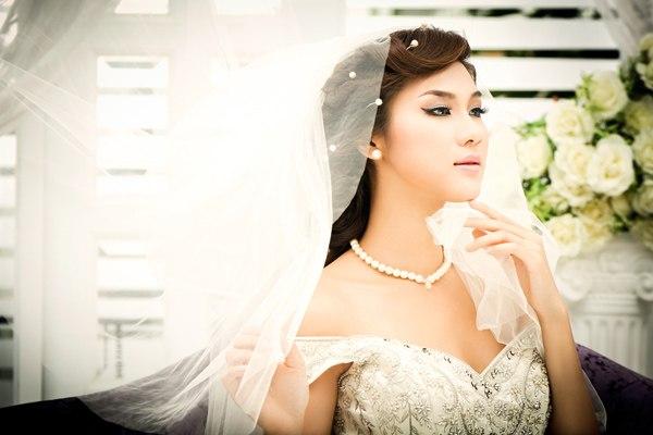 trang điểm cho cô dâu xinh tươi