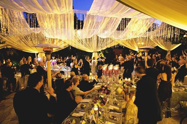 trang trí tiệc cưới rực rỡ