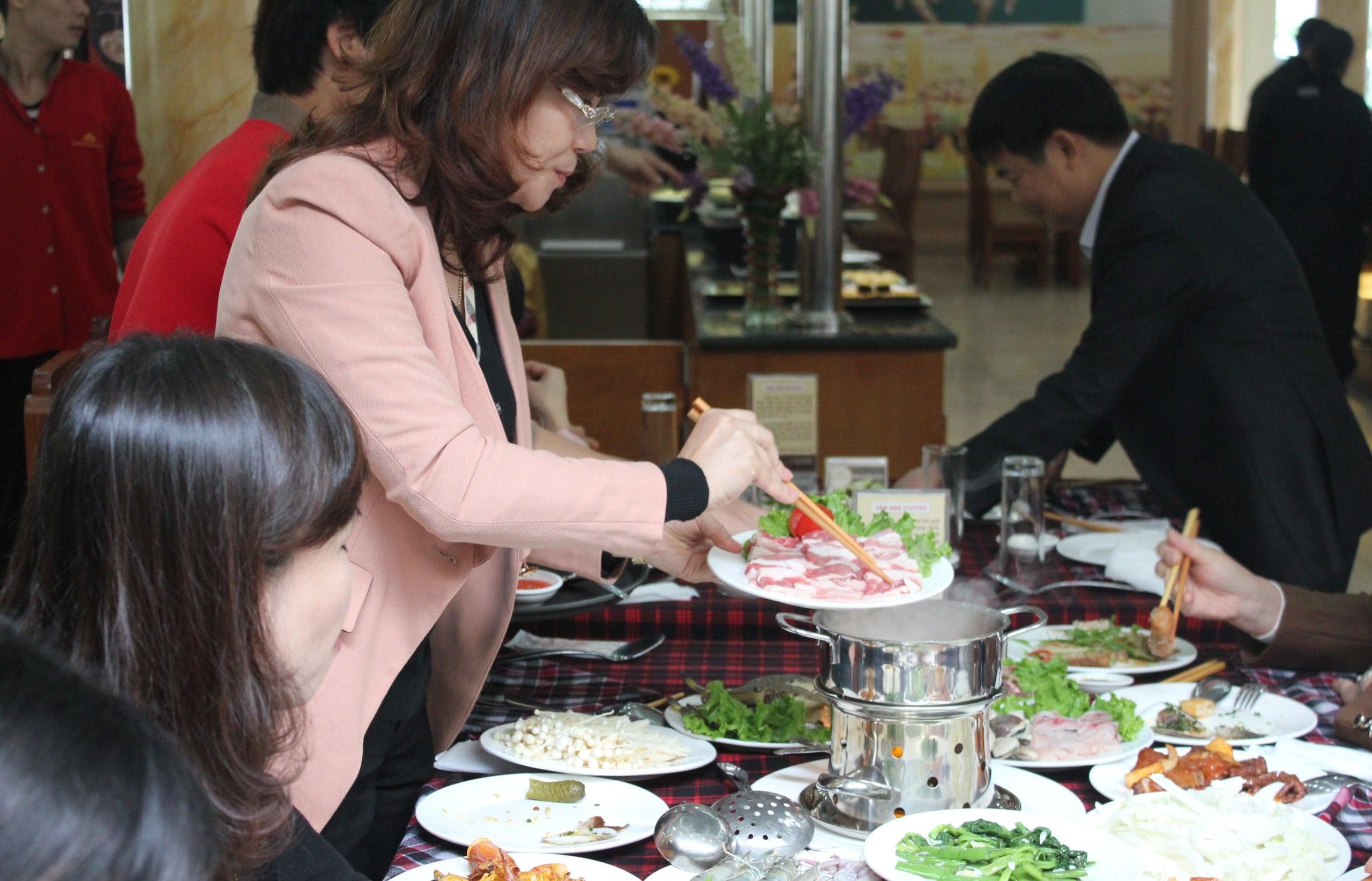 lẩu hải sản Hương Sen