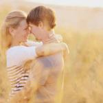 thiệp cưới mang sắc thái Hương Sen