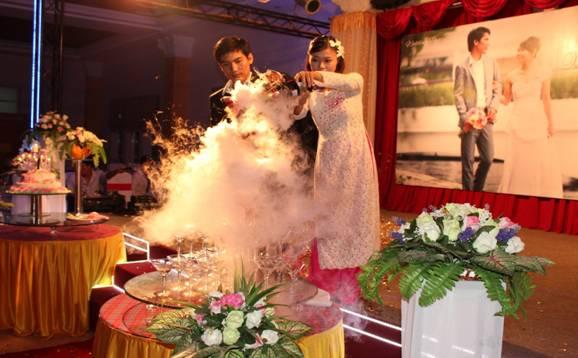 cô dâu chú rể  - Hương Sen