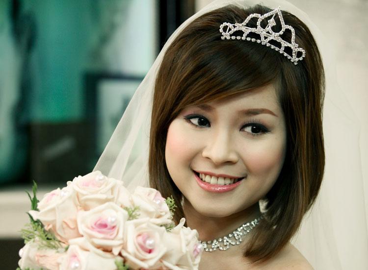 tóc ngắn cô dâu đẹp