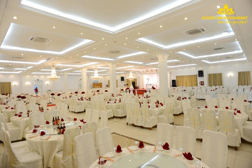 Không gian tiệc cưới Hương Sen