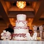 Những kinh nghiệm chọn bánh cưới hoàn hảo cho ngày cưới