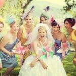 đám cưới sặc sỡ