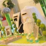 Cách trang trí thùng đựng tiền mừng thật ấn tượng cho ngày cưới