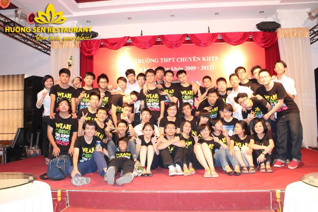 Gala liên hoan cuối năm tại nhà hàng Hương Sen