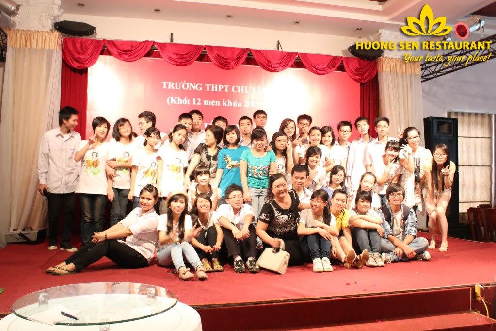 Liên hoan lớp tại nhà hàng Hương Sen