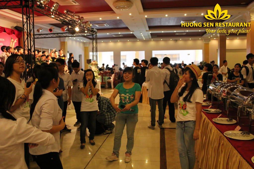 Tổ chức liên hoan cuối cấp tại Hương Sen