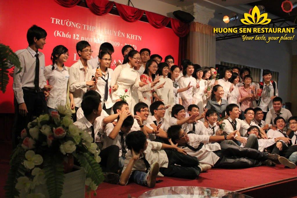 Ưu đãi đặc biệt khi tổ chức liên hoan lớp tại Hương Sen