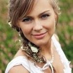 Cách chọn kiểu tóc theo váy cưới phù với cô dâu ngày cưới