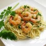 Mỳ Ý sốt tôm với bí ngòi kiểu mới vô cùng hấp dẫn cho bữa ăn