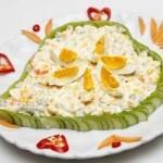 Cách làm salad Nga ngon và đơn giản cho món khai vị