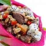 Cách làm món thịt bò xào thanh long thơm ngon mới lạ