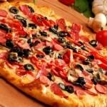 Cách làm bánh pizza ngon và hấp dẫn bằng nồi cơm điện