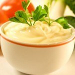 Cách làm sốt mayonnaise thơm ngon cho bữa ăn hấp dẫn