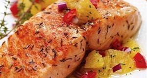 Cách chế biến cá hồi nướng với khoai tây thơm ngon độc đáo