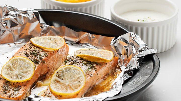 cá hồi nướng chanh