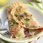 Cách làm bánh crepe mặn cho bữa sáng của bạn hấp dẫn hơn