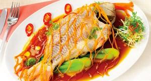 Cách chế biến món cá hấp bia hấp dẫn cho bữa ăn gia đình