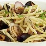 Mì xào hải sản món ngon, bổ dưỡng cho gia đình ngày cuối tuần