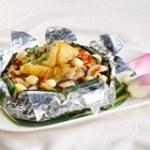 Bí quyết làm món gà hấp lá sen thơm ngon, bổ dưỡng  cho gia đình
