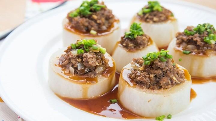 củ cải cuộn thịt