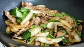 Cách làm món thịt bò xào húng quế thơm ngon bổ dưỡng cho gia đình