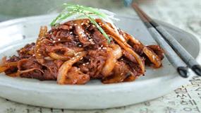 Bí quyết chế biến món thịt lợn xào cay thơm ngon độc đáo hơn