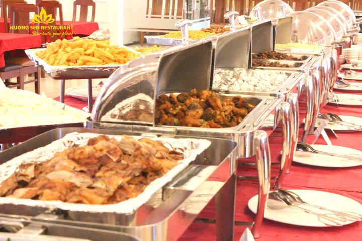 Tiệc Buffet Bế Giảng Khối 12 Trường THPT Nguyễn Trãi