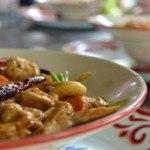 Công thức chế biến món ăn gà xào hành nấm ngon đúng điệu