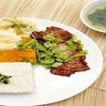 Cơm tấm sườn nướng đậm đà cho bữa cơm gia đình thêm hấp dẫn