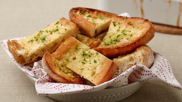 Cách làm bánh mì bơ tỏi