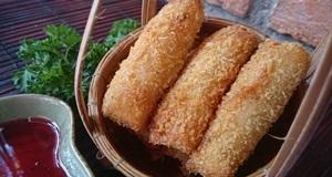 Bạn đã thử làm món nem hải sản thơm ngon lạ miệng chưa?
