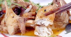 Lạ miệng đưa cơm với món cá hồng kho dứa