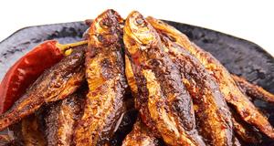 Đổi vị với cá khô sốt chua ngọt: rẻ mà vẫn chất lượng
