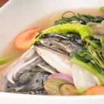 Canh đầu cá hồi om dưa – vẫn đủ dinh dưỡng cho ngày dài