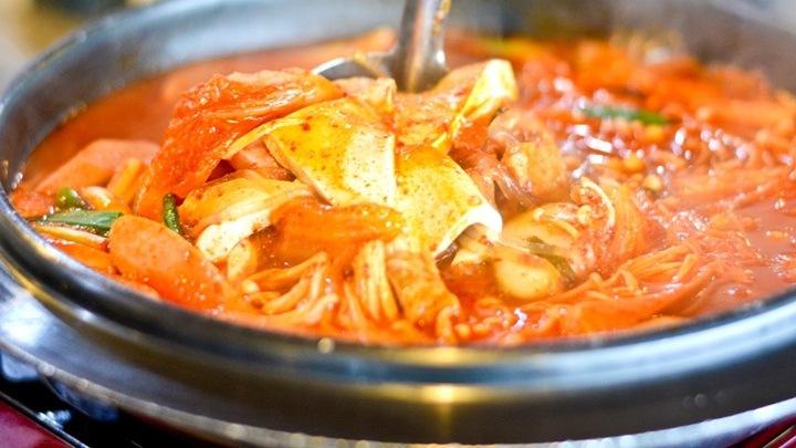 lẩu mì tokbokki hải sản cay
