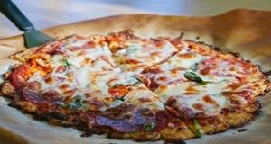 Pizza vỏ súp lơ biến tấu mới cho bánh pizza truyền thống