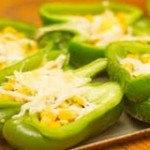 Ớt chuông xanh nhồi bắp ngọt đổi vị cho bữa cơm cuối tuần