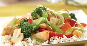 Thịt gà xào rau củ cho thực đơn bớt nhàm chán