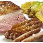 Thịt ức vịt áp chảo sốt mận cực hấp dẫn